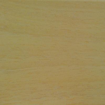 Blank gelakt hout